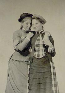 1887-Mount-Holyoke-students