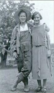 1925-dorothy-schmitz-via-gay-lesbian-atlanta